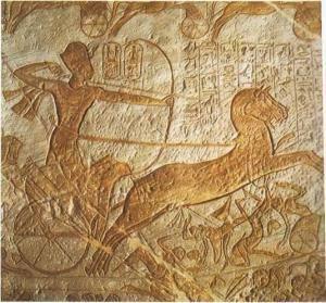 Барельеф Большого Храма, посвященного Рамсесу II, изображает фараона, мчащегося в атаку на своей колеснице