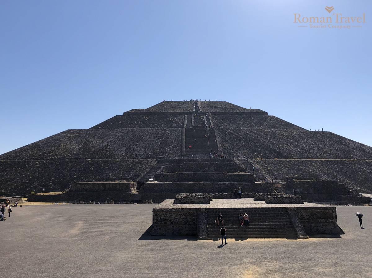 Пирамида Солнца Теотиуакан Мексика