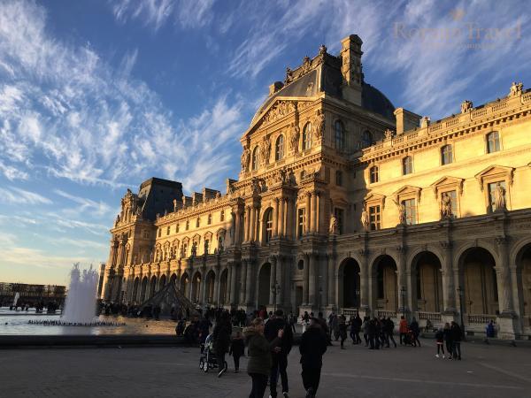 Фото. Лувр