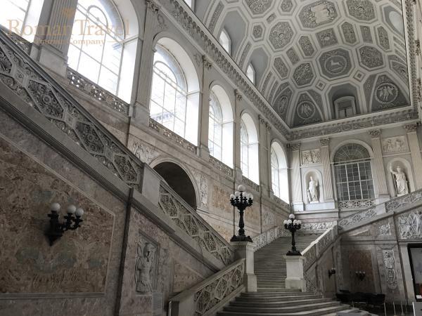 Палаццо Каподимонте внутри