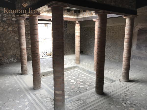Италия. Раскопки Помпеи дома