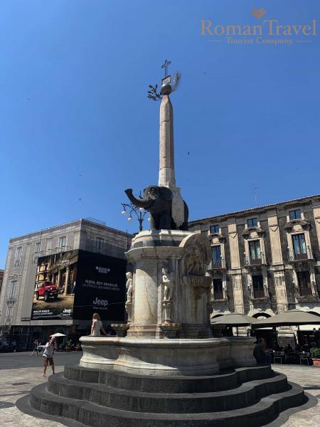 символ Катании - фонтан слона