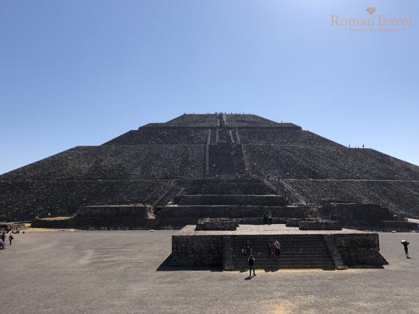 Пирамида Солнца. Теотиуакан Мексика