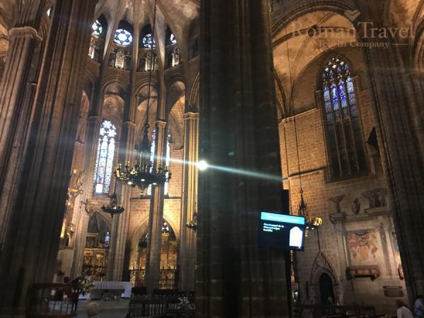Красивый Собор в Барселоне