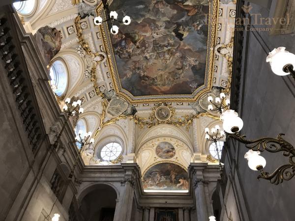 Испания. Королевский дворец Мадрид внутри