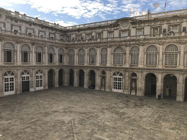 Испания. Королевский дворец в Мадриде