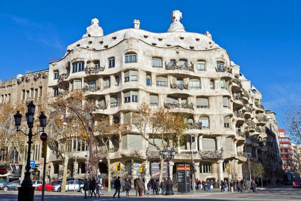 Каса Мила в Барселоне Гауди